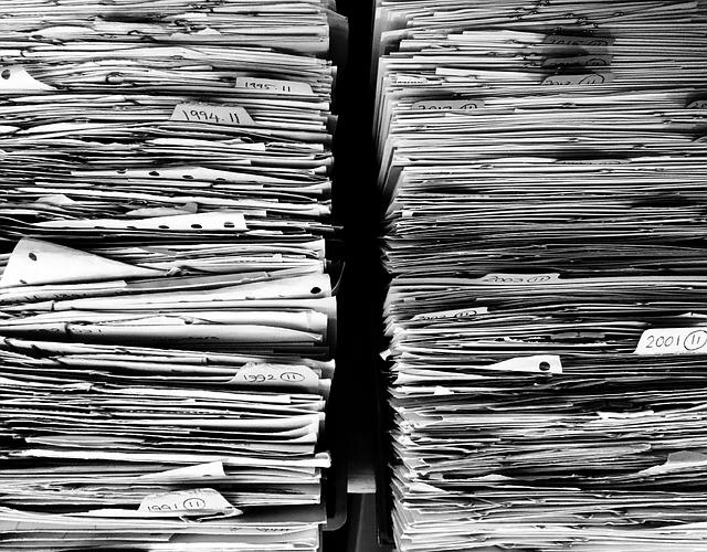 stohy papírů