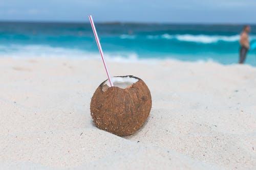 Jaké účinky má kokosová voda a proč byste ji měli začít pít?